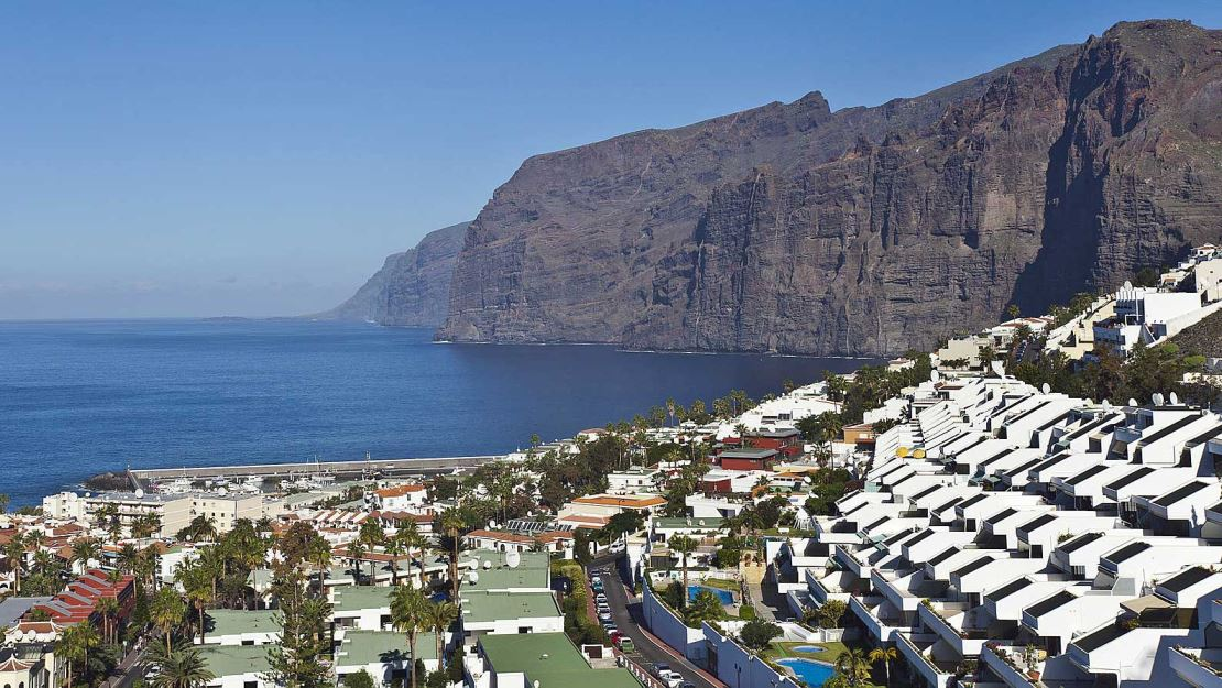 spain/tenerife.jpg 54 Hidden Hostels
